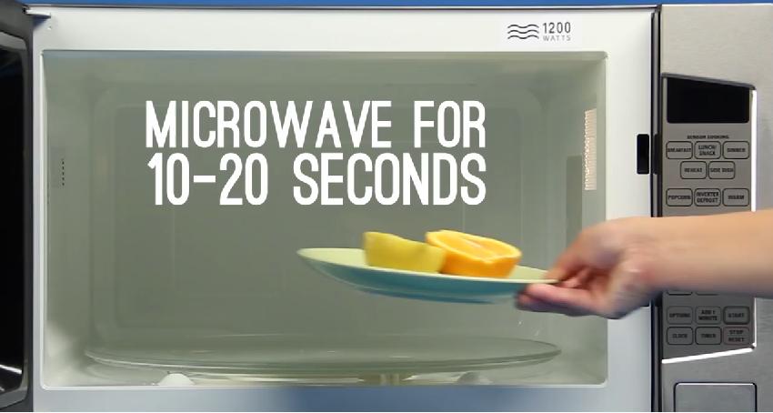elle coupe une orange en deux moiti s et la place dans le micro ondes ce qui en ressort est. Black Bedroom Furniture Sets. Home Design Ideas