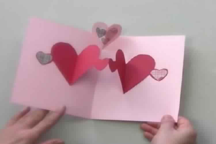 Comment fabriquer une jolie carte pop up avec vos enfants - Carte st valentin a faire soi meme ...