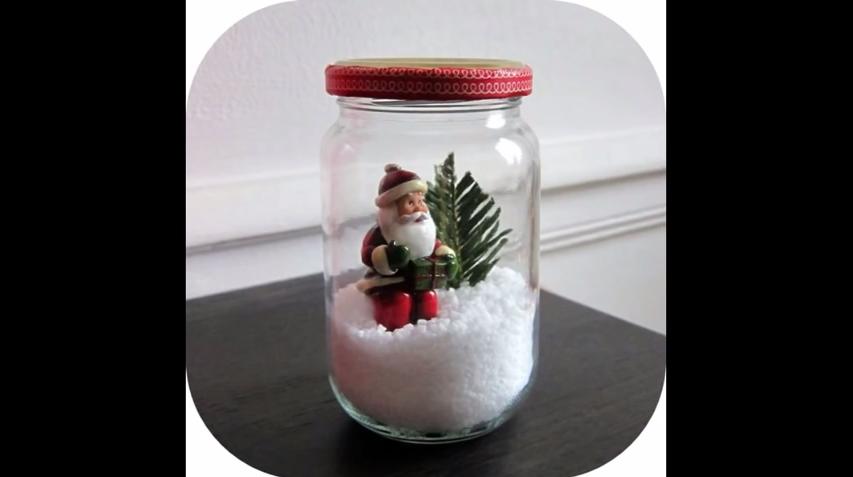 Il vous montre 43 idées pour fabriquer des décorations de Noël avec des bocaux