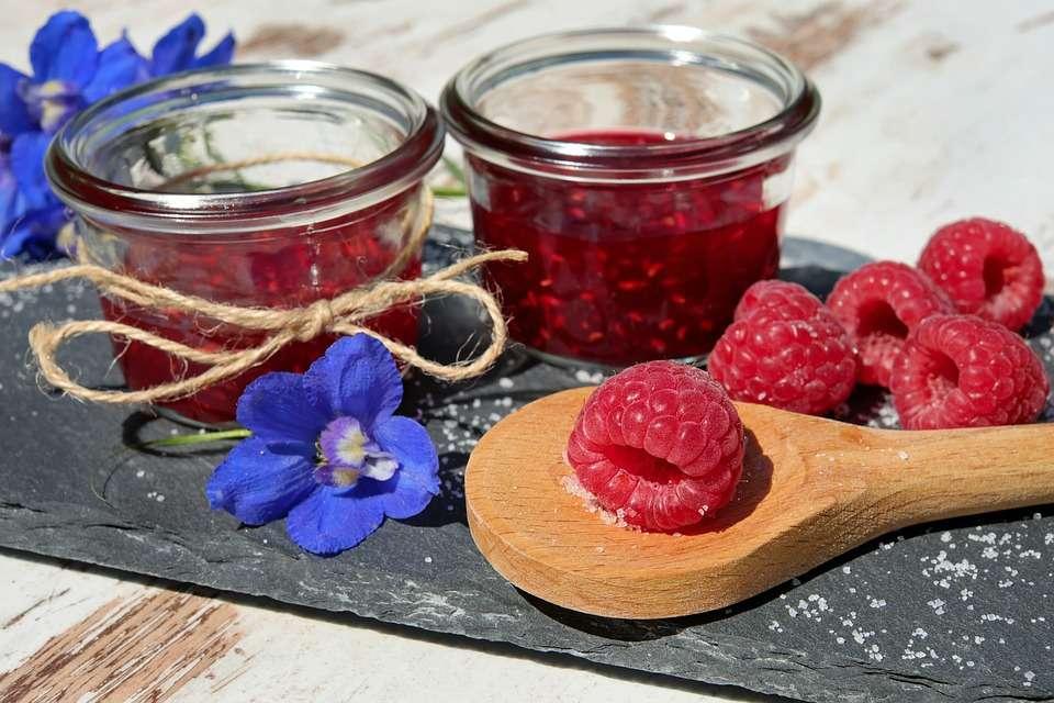 Voici comment préparer une délicieuse confiture aux framboises sans sucre ni pectine