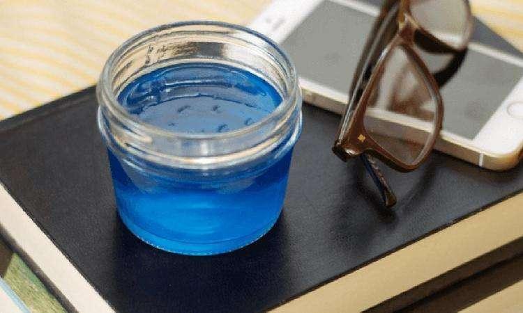 Voici comment pr parer un gel naturel anti ronflement tr s - Desherbant naturel tres efficace ...