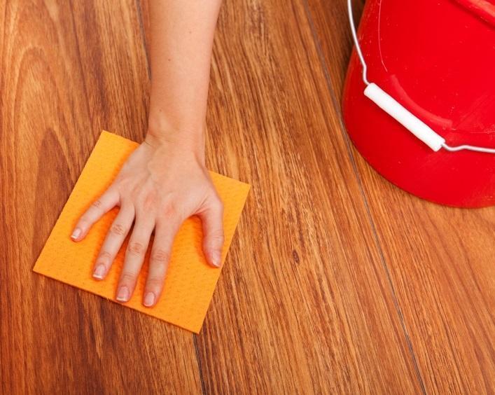 Nettoyer le bois avec du vinaigre et de l 39 huile d 39 olive c 39 est fait maison - Nettoyer un meuble en bois avec du vinaigre blanc ...